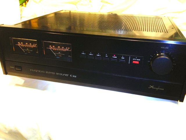 accuphase C-302